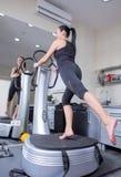 женщина тренера спорта машины гимнастики Стоковые Фото