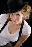 женщина тройника рубашки черной шляпы Стоковая Фотография RF