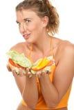 женщина удерживания бургера стоковое фото rf