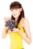 женщина удерживания виноградины стоковое фото rf