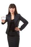 женщина удерживания пустой карточки Стоковое фото RF