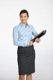 женщина удерживания folio asain Стоковые Изображения RF