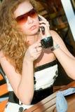 женщина улицы кафа милая стоковые фотографии rf