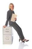 женщина удерживания скоросшивателя Стоковая Фотография RF