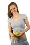 женщина удерживания яблока прелестно Стоковая Фотография