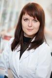 женщина фармации аптеки химика Стоковые Изображения