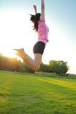 Женщина фитнеса азиатская китайская скачет Стоковое фото RF