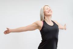 Женщина фитнеса белокурых волос стоковые изображения rf