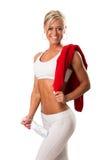 Женщина пригодности с полотенцем вокруг ее плеча Стоковые Изображения RF