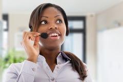 женщина центра телефонного обслуживания стоковая фотография rf