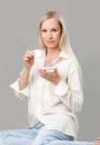 женщина чашки Стоковые Изображения