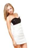 женщина черного платья нося белая Стоковая Фотография