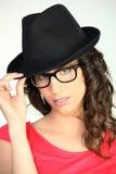 женщина черной шляпы нося Стоковое Изображение
