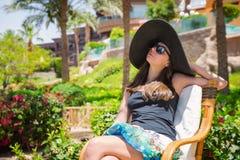 женщина черной шляпы большая Стоковое Изображение RF