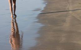 женщина шага Стоковая Фотография