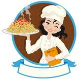 Женщина шеф-повара с спагетти Стоковая Фотография RF