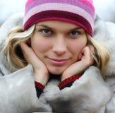 женщина шлема пальто Стоковые Фотографии RF