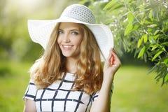 женщина шлема нося Стоковое Изображение