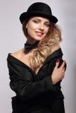 женщина шлема черной стороны Улыбка стоковое изображение rf
