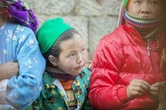 Женщина этнического меньшинства eatting на старом Дуне Van рынке Стоковая Фотография