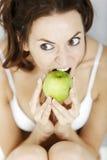 женщина яблока свежая Стоковое фото RF