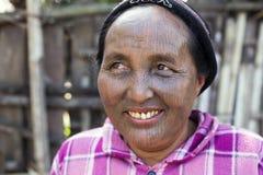 Женщина Chin tattoed племенем (Yin Duu) Стоковая Фотография