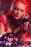 Женщина dj Стоковые Изображения