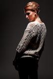 Женщина Glamor в темноте стоковые фото