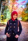 женщина hijab мусульманская нося Стоковая Фотография