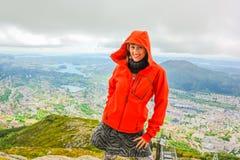 Женщина Hiker в Норвегии Стоковое Изображение
