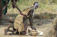 женщина mursi стоковое изображение