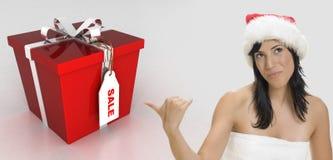 женщина santa шлема брюнет сексуальная нося Стоковое Изображение RF