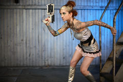 женщина sci пушки fi Стоковая Фотография RF