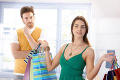 Женщина Shopaholic с хозяйственными сумками Стоковая Фотография RF