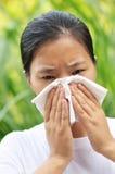 женщина sneeze Стоковые Фото