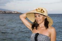 женщина strawhat стоковые фотографии rf
