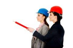 2 женщины архитекторов обсуждая Стоковая Фотография