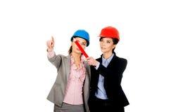 2 женщины архитекторов обсуждая Стоковое Фото