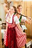 женщины баварского tracht традиционные 2 молодой Стоковое фото RF