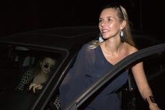 2 женщины в автомобиле Стоковые Фотографии RF