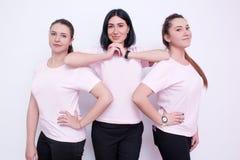 3 женщины в белых футболках Стоковое Изображение