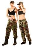 2 женщины в воинских одеждах с девушками армии биноклей Стоковое фото RF
