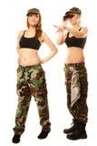 2 женщины в воинских одеждах с девушками армии биноклей Стоковые Фотографии RF