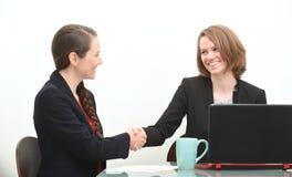 Женщины в деловой встрече или собеседовании для приема на работу Стоковое Изображение