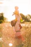Женщины в поле пшеницы Стоковое Фото