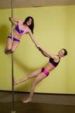 2 женщины в студии танца поляка Стоковые Изображения