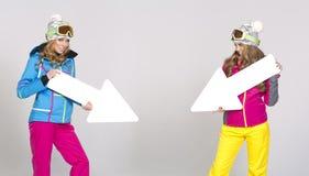 2 женщины в теплых одеждах Стоковое Изображение RF