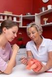 Женщины в хирургии, доктор и студент или пациент Стоковые Изображения
