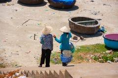 Женщины в Ne Mui, Вьетнаме Стоковые Изображения