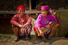 2 женщины деревни Chhaimale, 29km к югу от Катманду, Непал Стоковое Изображение RF